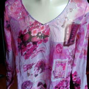 Tops - Shear blouse top little Rhinestones